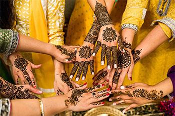 حنا دست و طرز تهیه حنا برای طراحی روی دست