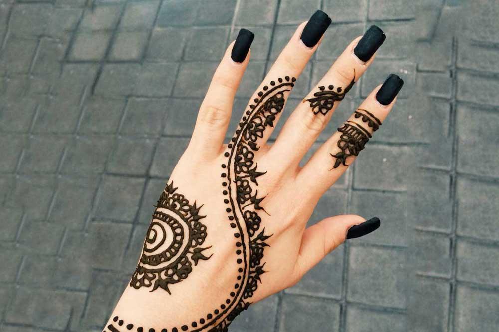 مدل حنای دست سیاه