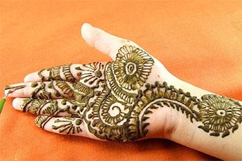 مدل حنای دست: محبوبترین و جذابترین مدلهای حنا بر روی دست