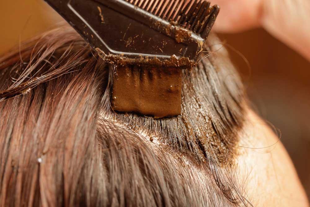 حنای سیاه: بهترین گزینه برای داشتن موهای سالم و ابریشمی