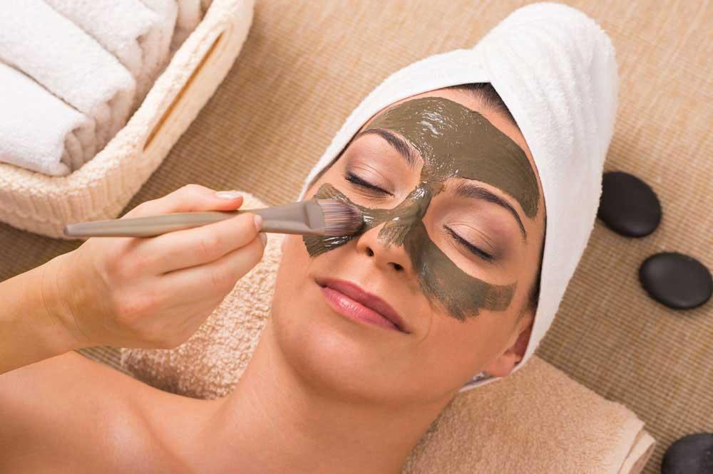 خواص حنا برای پوست: با فواید معجزهآسای حنا برای پوست آشنا شوید