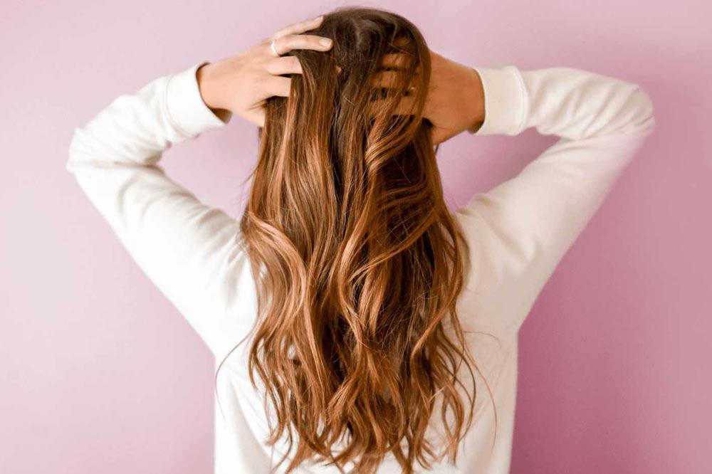 بهترین راههای تقویت مو بهکمک درمانهای خانگی